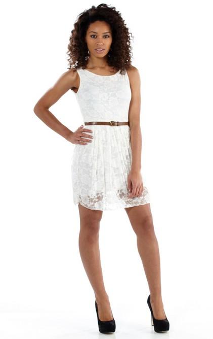 52be5aa266fb Letní šaty krátké krajkové - krémové