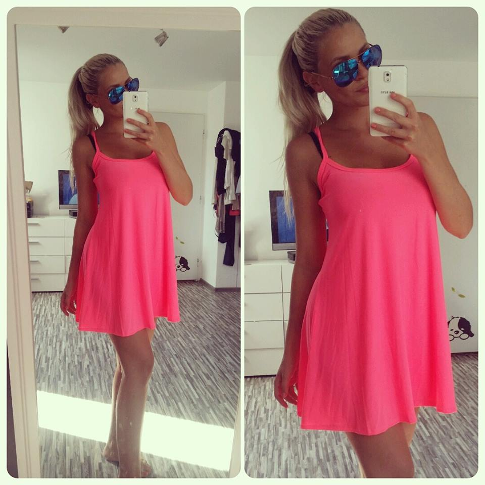 8a86c1bde1ef Neon růžové swing šaty